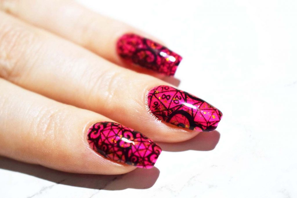 Espionage Cosmetics D20 Lace nerdy nail wraps